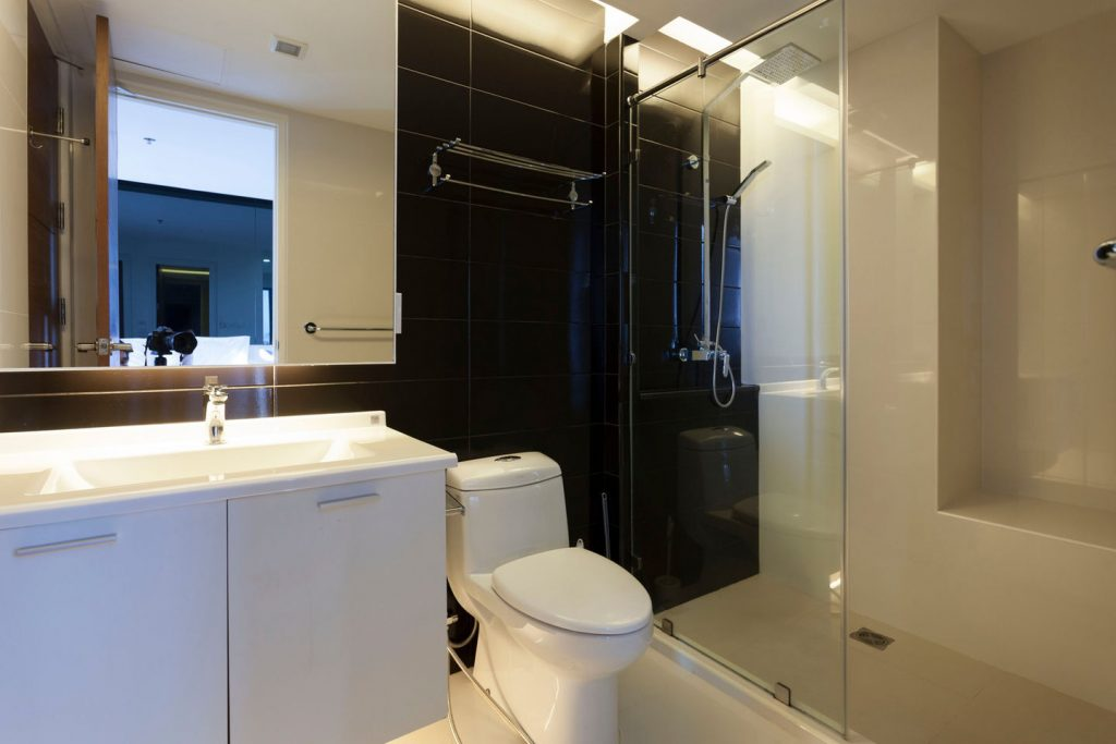 Large bathroom with rain shower